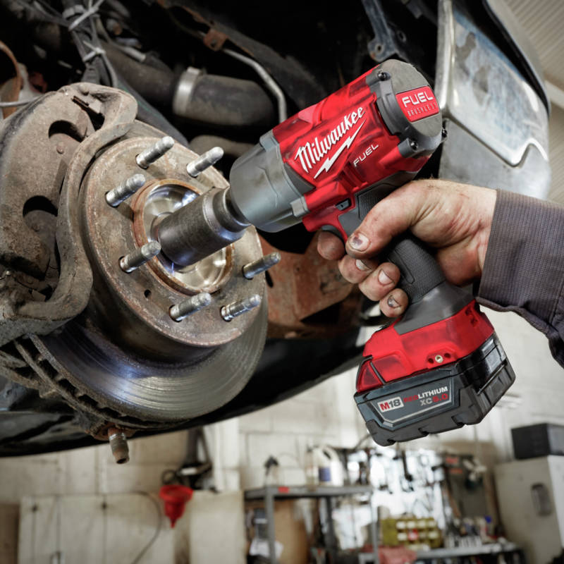 M18 FUEL 1/2 in. High Torque Impact Wrench delivers up to 1,000 ft-lbs. of fastening torque